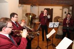 Das Blechbläserensemble des Musikvereins umrahmt den Festakt